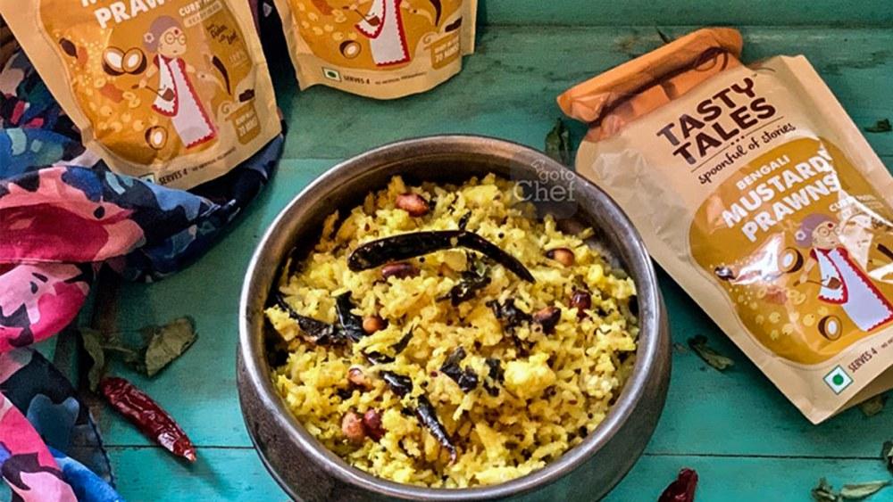Image of Achari Coconut Fried Rice Recipe ( Bengali mustard prawn paste )