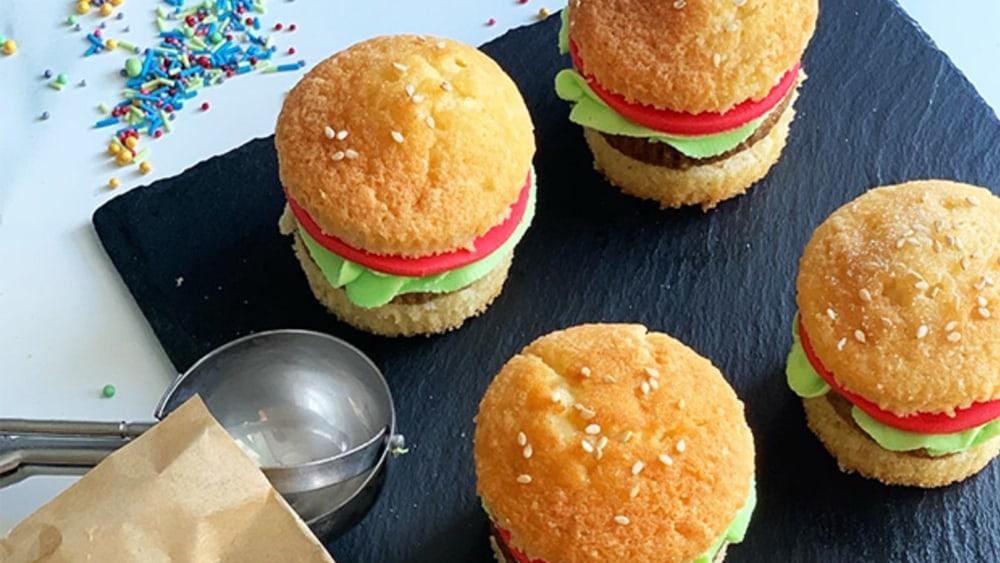 Image of Mini Burger Cakes