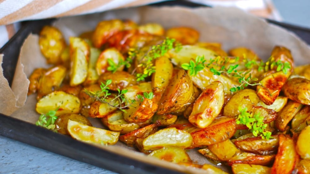Image of Side dish: roasted potatoes with thyme