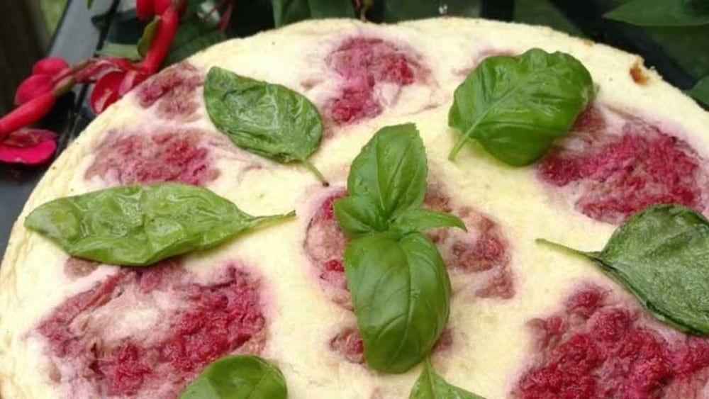 Image of Raspberry Cheesecake with Graham Cracker (Gluten-Free and Low Sugar)
