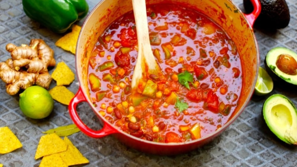 Image of Chili with beans, peas and peppers