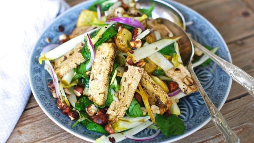 Image of Warm salad with marinated tofu, potatoes and hazelnuts