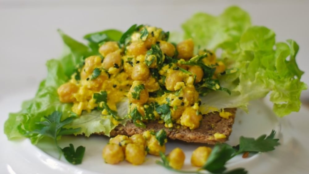 Image of Creamy chickpeas with turmeric, black cumin and parsley