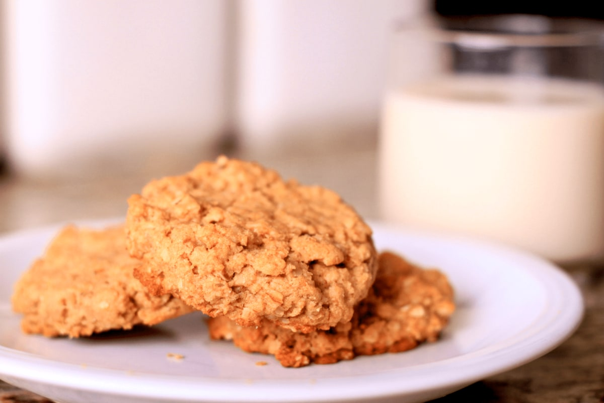 Image of Almond Apricot Oatmeal Cookies