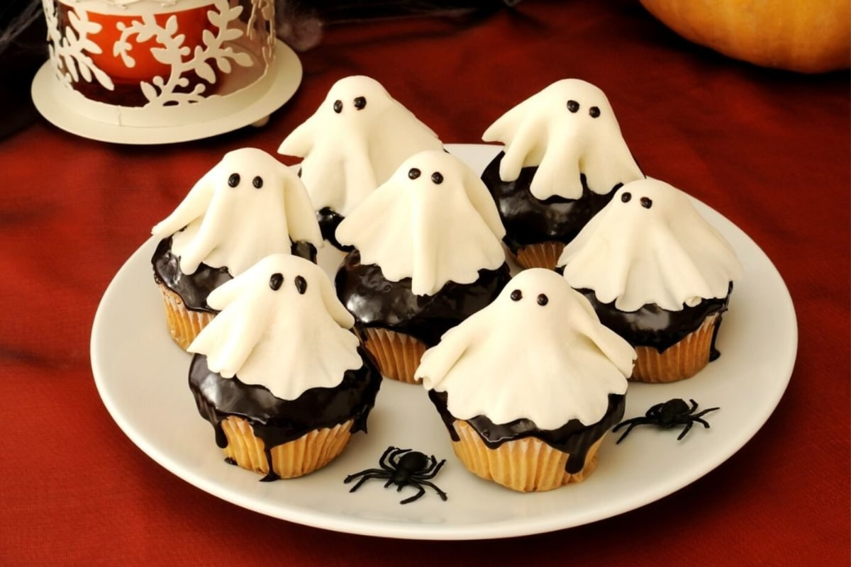Image of Marzipan Ghost Cupcakes