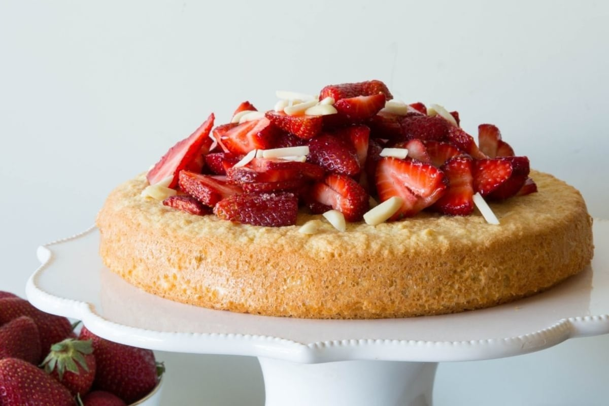 Image of Easy Almond Cake