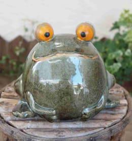 ガーデンオーナメント 無事カエル君