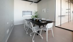 Meeting Room at LABS | Azrieli Sarona Tower - pickspace.com