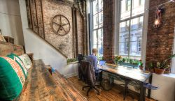 Hot Desk at The Farm | Soho - pickspace.com