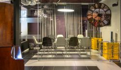 Meeting Room at MERKSPACE | Karlibach - pickspace.com