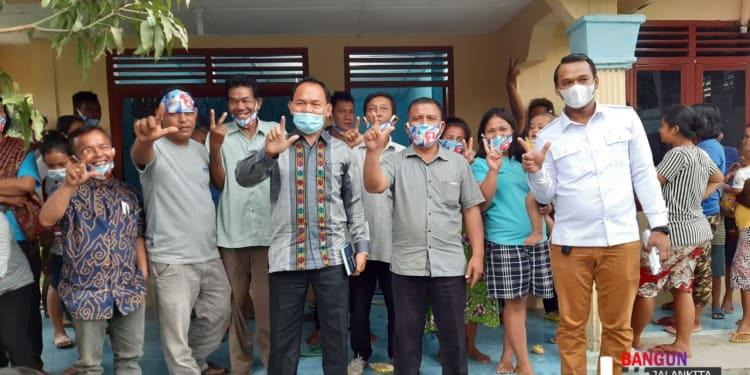 Tumpak Siregar Didampingi Anggota DPRD Simalungun Bona Uli Rajagukguk Silaturahmi dengan warga Nagori Buntu Bayu, Kecamatan Hatonduhan