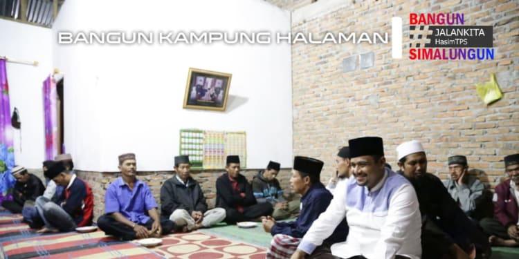 -H Muhajidin Nur Hasim saat silaturahmi dan berdoa bersama warga Nagori Saitbuttu Saribu, Kecamatan Sidamanik