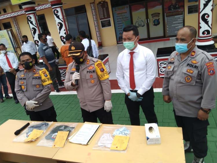Kapolres Simalungun AKBP Agus Waluyo di Mapolres Simalungun, saat Konferensi Pers