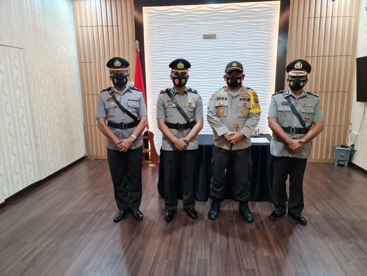 Kapolres Simalungun AKBP Agus Waluyo,SIK saat Memimpin Serah Terima Jabatan Wakapolres, Kasat Lantas dan Kapolsek Dolok Panribuan