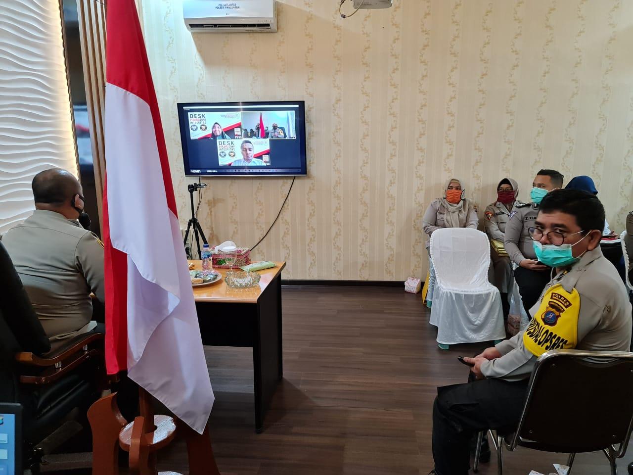 Kapolres Simalungun AKBP Agus Waluyo, S.I.K. saat Desk Evaluasi Zona Integritas Dari Kemenpan RI Secara Virtual
