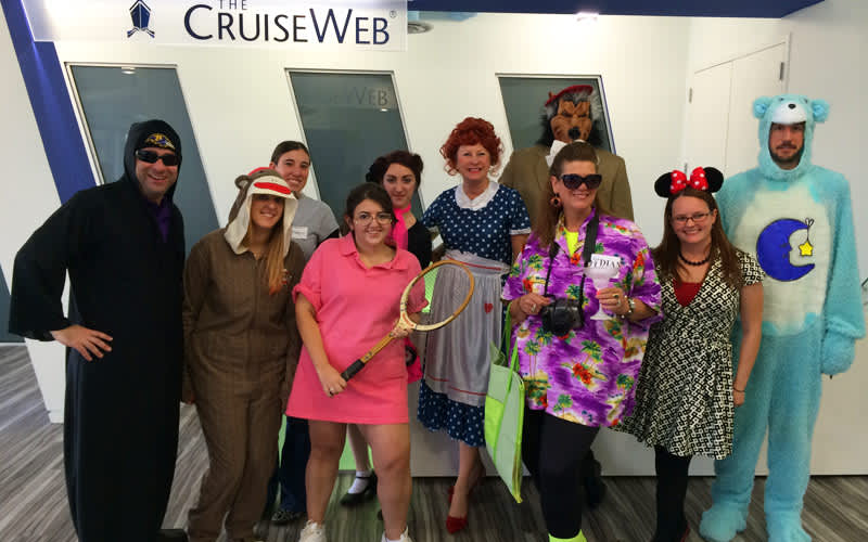 More Halloween at The Cruise Web