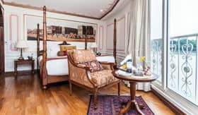 Luxury Suite aboard Avalon Ganges Voyager