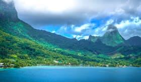 Tahiti Overhead - Cunard Line