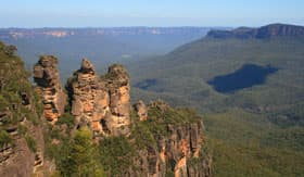 Three Sisters Rock Formation in Australia's Blue Mountains