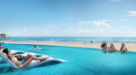 Infinity pool on CocoCay beach