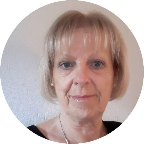 Pauline Neil