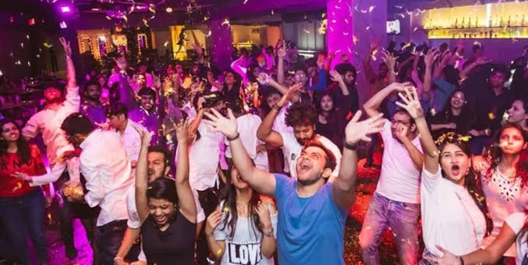 Saturday Bollywood Night at XU Hotel Leela Palace