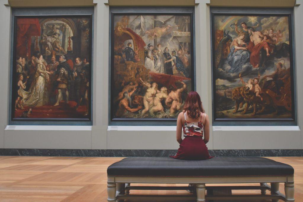 paintings 1599770561 scaled 1024x683 Τελικά αυτό που αγαπάμε είναι μια δική μας έννοια και ο εαυτός μας. Fernando Pessôa