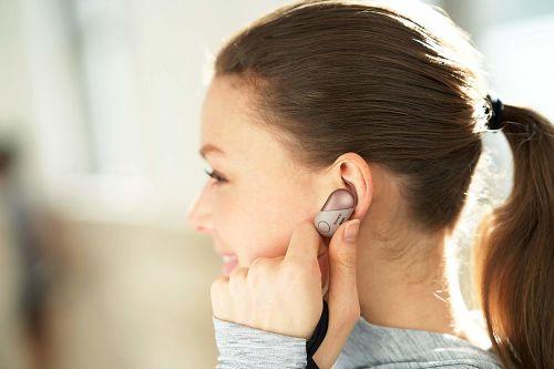 Wireless Noise Canceling Earbud