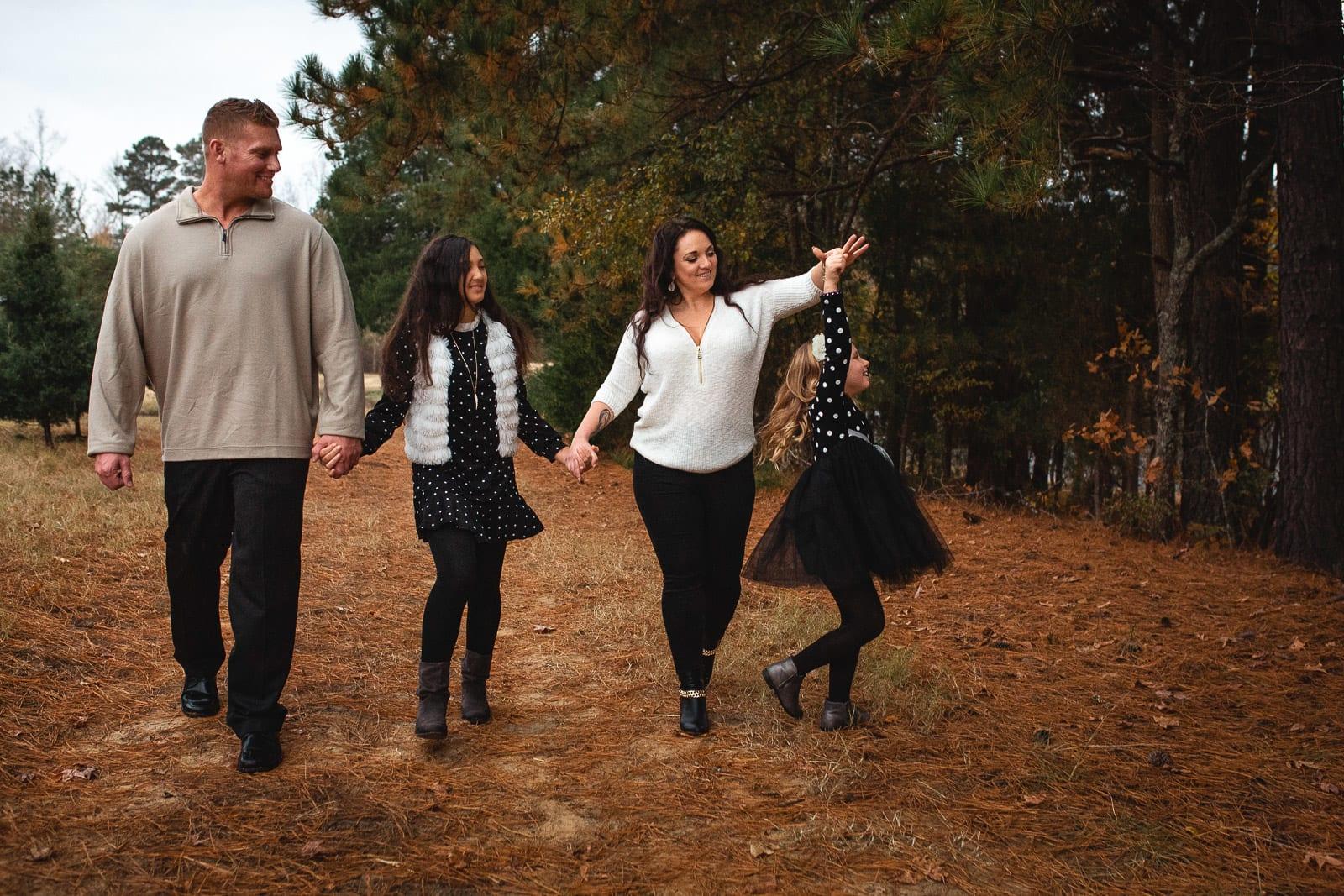 photo session at christmas tree farm