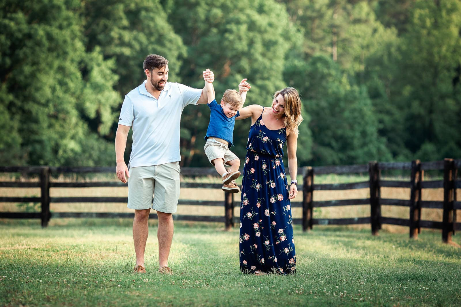 photo session with family of 3 Sugg Farm at Bass Lake Park