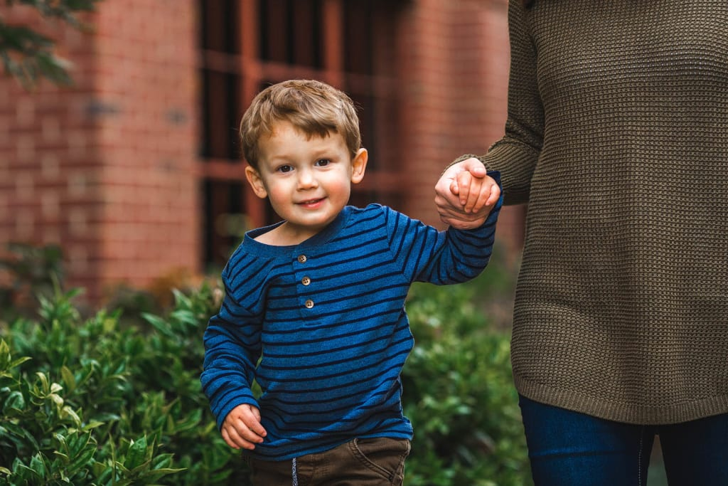 outdoor family photo session american tobacco campus