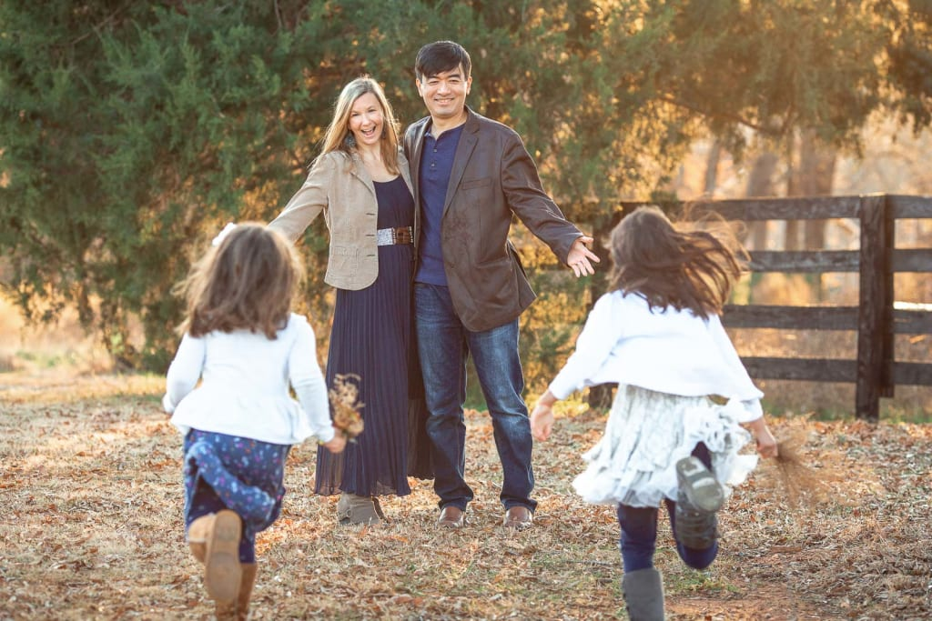 candid family portrait ideas for posing