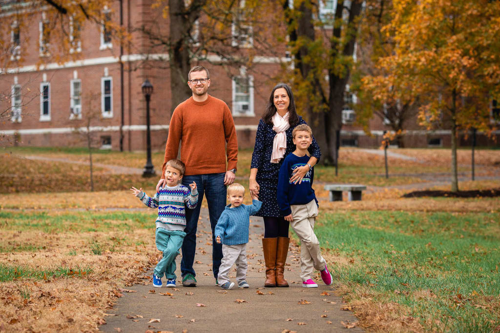 ideas for family outfits for outdoor photo shoot