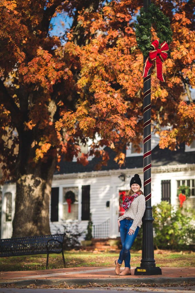 Best Locations For Professional Photo Shoot in Cary, senior portrait session