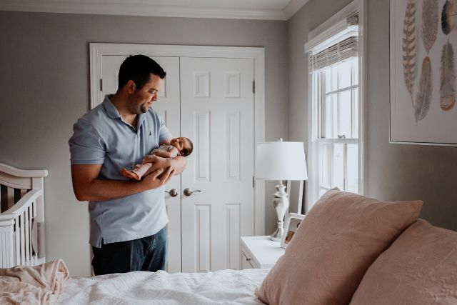 Lifestyle Newborn Photographer - Raleigh, NC