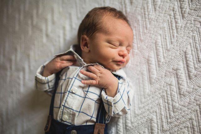raleigh newborn photography family lifestyle photographer