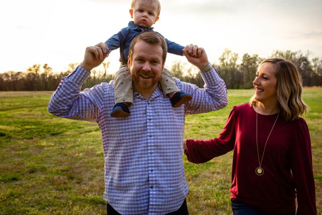 lifestyle outdoor family photo session
