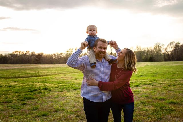 outdoor family photo session raleigh