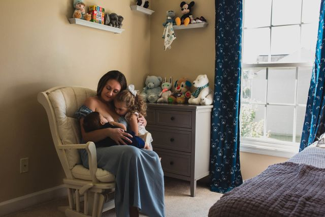 breastfeeding photo shoot in raleigh