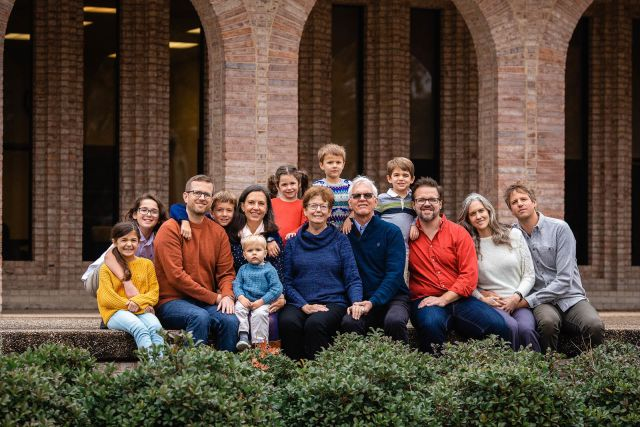 photographer for extended family portrait session in raleigh