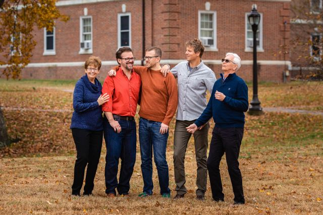 photographer for extended family portrait session in raleigh nc