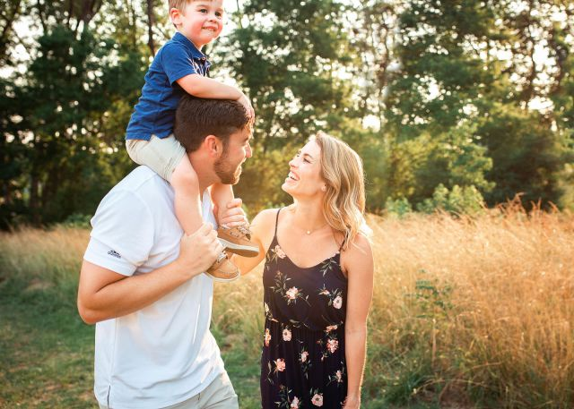 family photo session at sugg farm park
