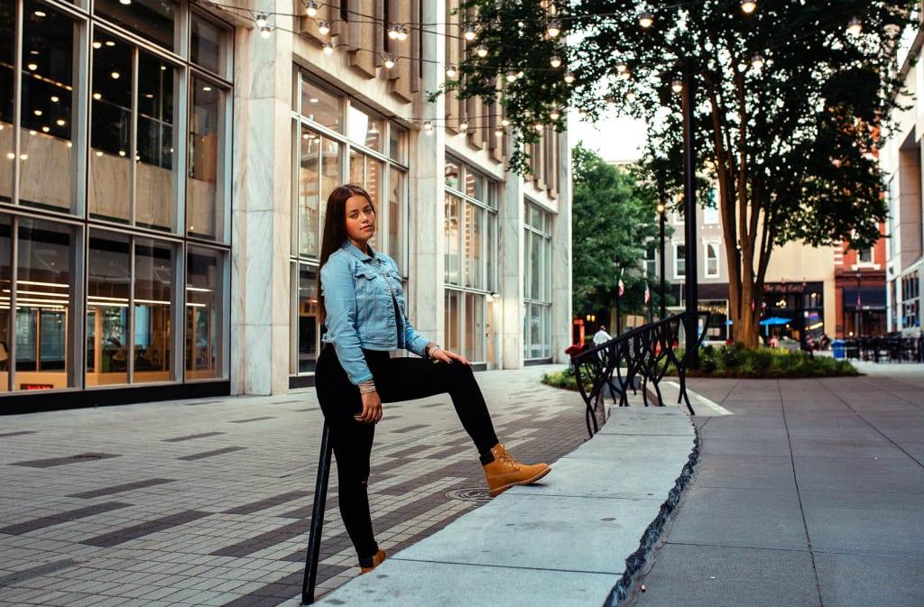 senior portrait photographer raleigh downtown