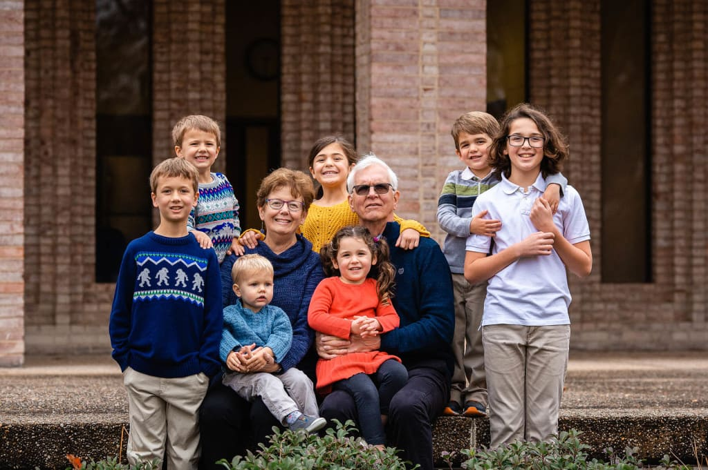 photographer for extended family portrait session