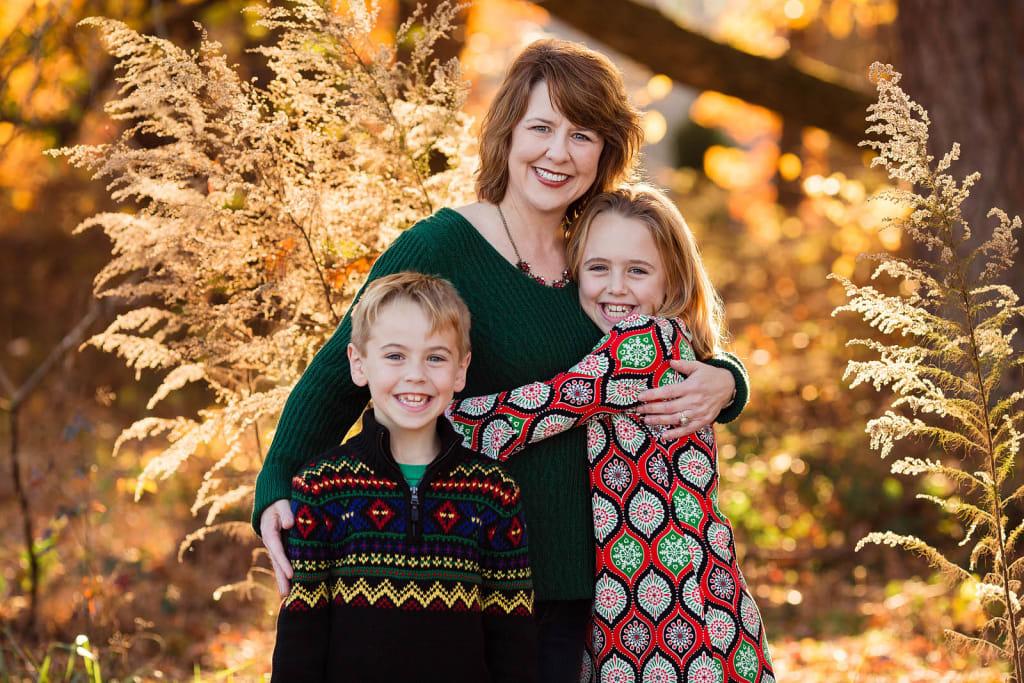 family photo session in Sugg farm park