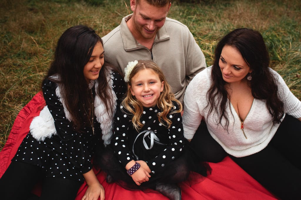 outdoor family portrait photographer