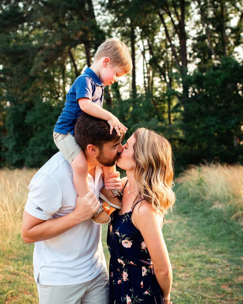 family photographer holly spring sugg farm park sunset photo session