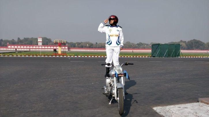 captain shikha surabhi republic day army daredevils team corps of signal first female officer on royal enfield