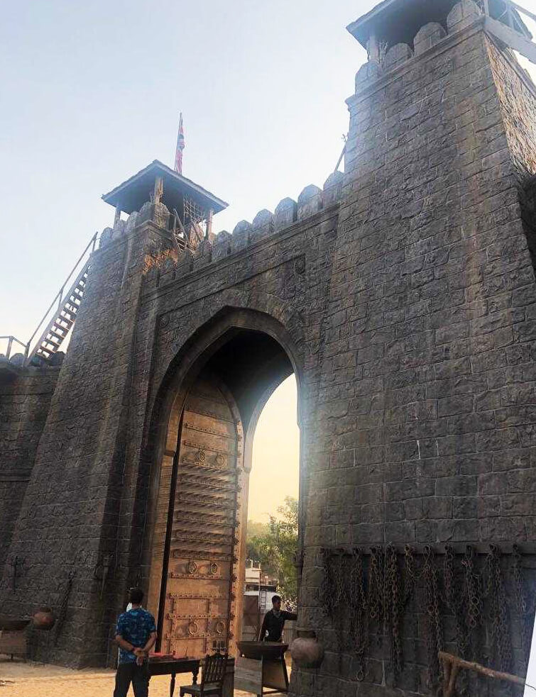 Yash Raj Films Ranbir Kapoor And Sanjay Dutt's EXPENSIVE Shamshera Fortress-3