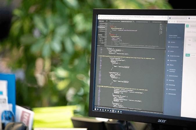 code développement technologie